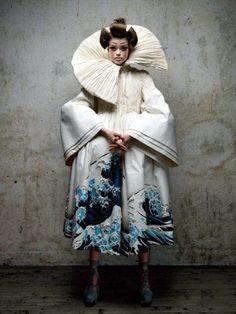 Julia Saner Designed by John Galliano Vogue Russia 2011 Dior Photo Patrick Demarchelier Foto Fashion, Fashion Week, Fashion Art, Editorial Fashion, High Fashion, Womens Fashion, Fashion Design, John Galliano, Galliano Dior