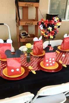 Red Minnie Mouse birthday party.