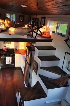 Good Loft Stair for Tiny House Decor Ideas - Ma Home Design Tiny House Loft, Tiny House Living, Tiny House Plans, Tiny House Design, Rv Living, Living Rooms, Tiny House Stairs, Tiny House Bedroom, House Staircase