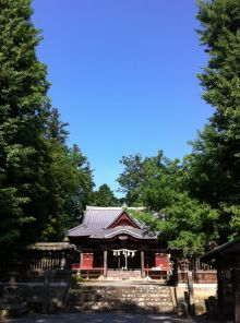 秩父に来たら、是非お立ち寄りくださいませ。吉田の椋神社。710年からの歴史があり、日本武尊と猿田彦命の言い伝えがあります。弊社事務所は椋神社のお側にて有り難くも秩父の地に出張所をもうけさせて頂いております。10月の第二日曜日には、世界でも珍しい龍勢の祭事が御座います。