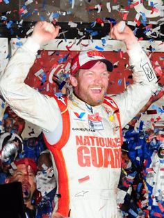 Of course I wanted him to win Dale Earnhardt Jr Daytona 500 win....wish I coulda have been at Daytona hopefully will get to go to Bristol :)!!!!