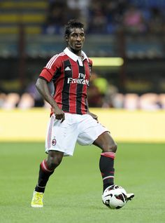 Kévin Constant (born 15 May 1987 in Fréjus, Var) is a French-born Guinean footballer who plays for Italian side Milan of Serie A.    Constant began representing France U-17 in 2004. He qualified to play for Guinea through his mother.[2] He made his debut on 14 October 2007, in a 1–3 friendly loss against Senegal. On 10 October 2010, Constant scored his first goal in a 2012 Africa Cup of Nations qualification against Nigeria.