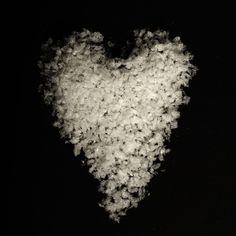 Snow Confetti Water Soluble Biodegradable Natural Wedding Confetti www.adamapple.co.uk