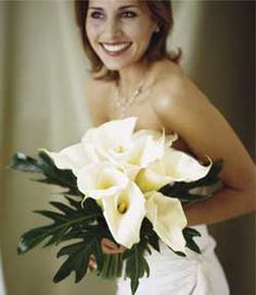 Bridal flowers! - LOVE these! Very elegant and pretty.