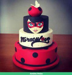 Fiesta de Lian 2 Ladybug Cakes, Owl Cakes, Birthday Desserts, Birthday Cake Girls, Bolo Lady Bug, Miraculous Ladybug Party, Dora Cake, Fake Cake, Celebration Cakes