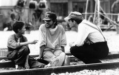 Steven Spielberg with Christian Bale and the crew while filming Empire of the Sun (1987). Photos courtesy of pickledelephant. Cinephilia and Beyond.
