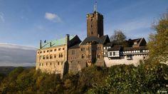 Ini puri terpenting Jerman. Didirikan sekitar 1067, di atas kota Eisenach di Thüringen. Tahun 1521-1522 puri ini jadi tempat berlindung pencetus reformasi agama Martin Luther. Di sinilah ia menerjemahkan Kitab Perjanjian Baru dari bahasa Latin ke Jerman. Puri ini juga jadi inspirasi bagi karya seni, dan sejak 1999 ditetapkan jadi Warisan Budaya Dunia oleh UNESCO.