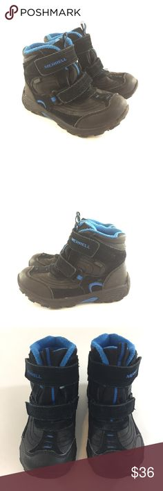 Merrell 13 Boys Moab Black Blue Winter Snow Boots Merrell 13 Boys Moab Black Blue Winter Snow Boots Boys-Little Kids/Youth size 13 black and blue winter boots in very good used condition.  Lined inside and 2 Velcro adjustable strap closure Merrell Shoes Rain & Snow Boots