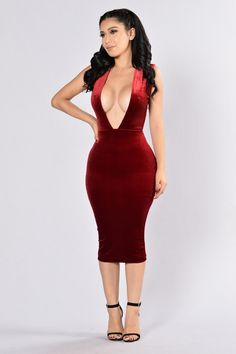 - Available in Gucci Blue, Navy, and Burgundy - Deep V - Back Cutout - Midi Length - Velvet - 92% Polyester, 8% Spandex