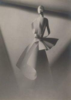 François Kollar -Papier découpé de Paul Iribe, Silhouette de femme, 1928