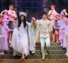 Lee as Robin Hood with Peach Coyne as Maid Marion in panto