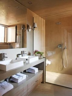 Have you considered a double sink bathroom vanity? Here is 35 cool and creative double sink vanity designs ideas and pictures of bathrooms with double sinks Bathroom Vanity Designs, Rustic Bathroom Vanities, Bathroom Sink Vanity, Modern Bathroom, Master Bathroom, Bathroom Ideas, Home Interior, Bathroom Interior, Design Interior