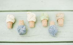 Awesome Bottle Tops Tutorial ==> http://www.craftdiyideas.com/awesome-bottle-tops-tutorial/