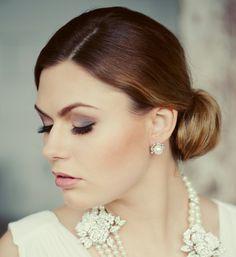 Wedding pearls stud earrings.  Bridal party. Crystal pearls wedding earrings.  Simple pearl stud earrings. Bridal jewelry. Wedding jewelry.