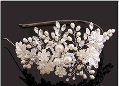 Новое поступление топ ручной большой цветок жемчуг кристалл бусины свадебные повязка на голову тиара для женщин невесты головной убор аксессуары и украшения купить на AliExpress