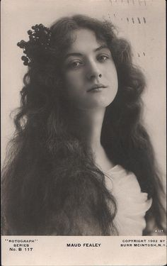 Maude Fealy ✾ (March 1883 – November Fealy appeared in her first silent film in 1911 for Thanhouser Studios, making another eighteen between then and after which she did not perform in film for another fourteen years. Vintage Pictures, Old Pictures, Vintage Images, Old Photos, 3 4 Face, Foto Portrait, Old Portraits, Victorian Photos, Victorian Portraits