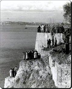 Kadıköy/Moda / Mühürdar-18 Kasım 1938.Atatürk'ün cenazsini İzmit'e taşıyacak olan Yavuz Zırhlısı'nın Geçişni bekleyen