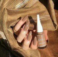 Fashion image in B R O W N of Moon Goddess - nail colors - . - Fashion image in Moon Goddess B R O W N – nail colors – - Gelish Nails, Toe Nails, Organizer Makeup, Gel Nail Colors, Nagel Gel, Dream Nails, Perfect Nails, Nails Inspiration, Beauty Nails