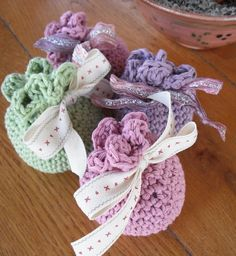 This is a simple crochet sachet which can be made very quickly and is a great stash buster. You need a small quantity of dk yarn, a 3,5mm crochet hook, some lining material, pot pourri and a small length of ribbon. It is made in one piece with very little finishing off required. Very easy to make and a sweet little present. This pattern is now written in English and US crochet terms.If you like my patterns follow my blog and facebook group for details of offers, CALs, KALs, pre-releases…