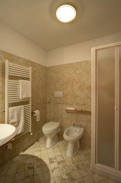 bagno camera n°211  #lasibilla #sassotetto #sarnano #sibillini #macerata #marche #italy