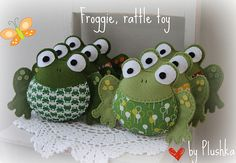 Felt frog. my mom was called granny frog...would love to make these-but $10.00 to much for me :(