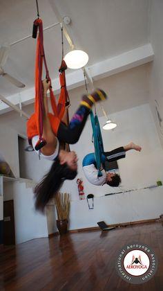 The AeroYoga ® system:  Hundreds of original positions (aerial yoga postures) allow  feelings of strength and freedom. www.aerialyoga.tv    AeroYoga® y Aero Pilates Acrobático en Argentina