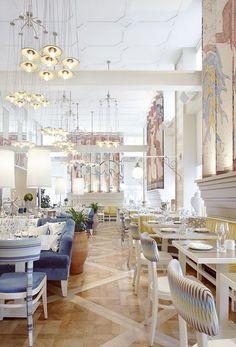 RESTAURANTS WELTWEIT | Entdecken Sie einige der schönsten, zeitgenössischen und luxuriösen Restaurants in Madrid und in anderen großen Zauberstädten rund um die Welt. Klicken Sie auf das Foto, um mehr Inspiration zu bekommen. www.wohn-designtrend.de #wohndesign #restaurants #modernerestaurants #restaurantsdesign #schönerestaurants #besterestaurants