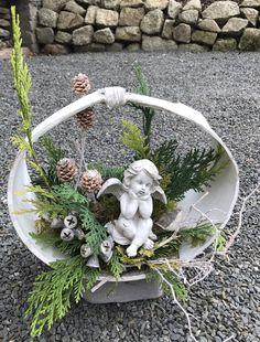 Funeral Arrangements, Christmas Arrangements, Christmas Centerpieces, Flower Arrangements, Christmas Wood Crafts, Christmas Baskets, Christmas Crafts, Cemetery Flowers, Gravel Garden