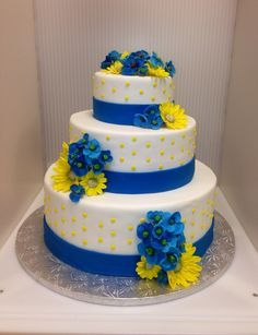 blue and yellow wedding cakes pictures 1000 images about cobalt blue yellow wedding decor on 11971