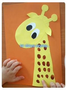 Paper giraffe head with finger painting Kids Activities At Home, Montessori Activities, Fun Crafts For Kids, Diy Arts And Crafts, Kindergarten Activities, Toddler Crafts, Art For Kids, Activities For Kids, Jungle Crafts
