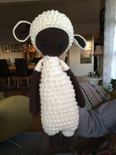 Crochet sheep for my nephew Nilas Crochet Sheep, Crochet Toys, Crochet Patterns, Beanie, Hats, Projects, Amigurumi, Log Projects, Crocheted Toys
