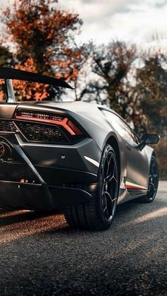 Lamborghini Veneno, Sports Cars Lamborghini, Koenigsegg, Ferrari Car, Pagani Zonda, Lamborghini Quotes, Custom Lamborghini, Green Lamborghini, Lamborghini Diablo