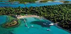 The island of Evia is on the Top 10 Sailing Cruises destinations of National Geographic! Greece Pictures, Beach Pictures, Seychelles, Beautiful Islands, Beautiful Places, Let Tour, Sailing Cruises, Cruise Destinations, Greece Islands
