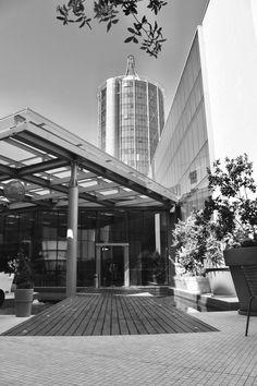 T Hotel: Hotel a Cagliari Affair, Skyscraper, Multi Story Building, Home, Design, Environment, Skyscrapers, House, Ad Home