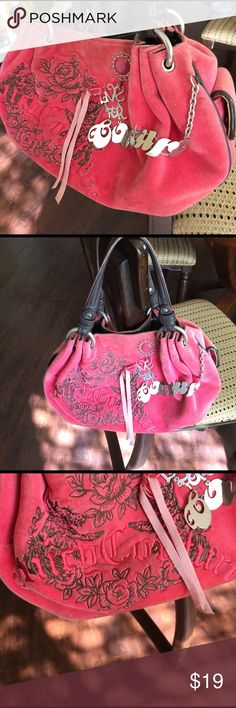Juicy Couture pink purse. Live for coutur on front Juicy couture purse. Good condition. A little dirty on the inside. Has magnet closure so so cute Juicy Couture Bags Mini Bags