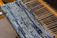 woven rag rug (loom)