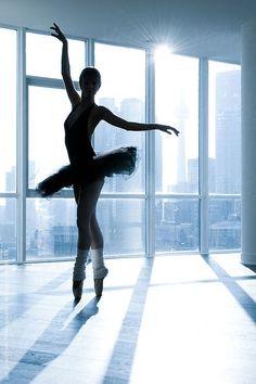 Ballerina in silhouette , Jen Grantham