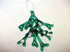 Mistletoe Bunch Christmas Ornament Fused Glass by Spleodar on Etsy, €30.00
