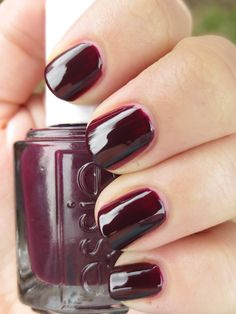 I LOVE dark colors.. happy fall has arrived