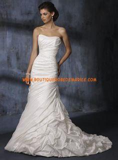 Robe de mariée pas cher à bustier avec traîne en taffetas
