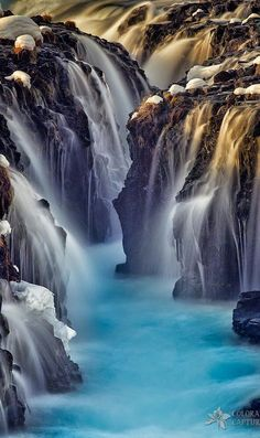 Dos and don'ts of Iceland. Road trip to Iceland. Attractions of Iceland. Epic road trip to Iceland Places Around The World, Oh The Places You'll Go, Places To Travel, Places To Visit, Around The Worlds, Travel Destinations, Beautiful Waterfalls, Beautiful Landscapes, Photos Voyages