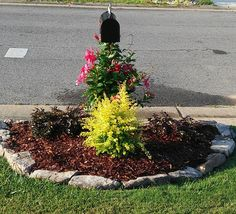 Mailbox landscaping mailbox garden ideas landscaping for Landscaping rocks tuscaloosa al