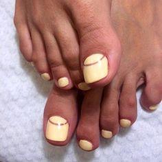 toe nails 2017 negative space