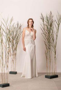 Rochie de mireasă sirenă cu dantelă și decolteu în V Couture, Wedding Dresses, Modern, Collection, Fashion, Bride Dresses, Moda, Bridal Gowns, Trendy Tree