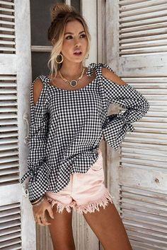 2017 New Bow Plaid Shirt Women Blouse Elegant Flare Sleeve Women Blusas Shirts Chemise Femme Kimono Street Style Chic, Plaid Shirt Women, Look Chic, Shirt Blouses, Tee Shirt, Lace Blouses, Blouses For Women, Ideias Fashion, Flare