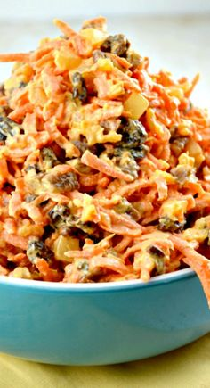 Yummy Carrot Salad Loaded with Pineapple, Carrots and Pecans! Super Easy and Qui… Yummy Carrot Salad Loaded with Pineapple, Carrots and Pecans! Super Easy and Quick to Make,Too! Tasty Vegetarian, Cooking Recipes, Healthy Recipes, Carrot Salad Recipes, Cooking Games, Summer Salads, Soup And Salad, Salad Bar, Vegetable Recipes