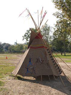 a little fun Native Indian, Native Art, Native American Indians, Indian Art, Native Americans, Indian Teepee, Tribal Dance, Nativity Crafts, Pow Wow