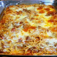 Pasta Bake,Prep Time:5 minutes,Cooking Time:20 -25  minutes ,Serves:2 - 4  Persons,Directions:1. In a pan, brown the meat, onion and pepper, and add the garlic, and other flavourings.  2. Then drain away the fat.   3. Add the remaining ingredients and pour into a lightly greased 9x13 casserole dish, topped with cheese.   4. Bake 350 F / 180 C / Gas 4 oven, 20-25 minutes.