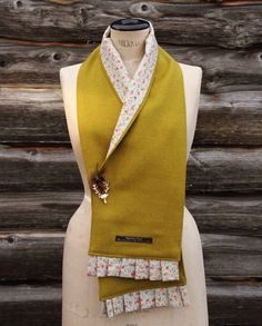 Harris tweed scarf Source by Remake Clothes, Sewing Clothes, Sewing Accessories, Fashion Accessories, Borboleta Diy, Poncho Pattern Sewing, Sewing Scarves, Harris Tweed Fabric, How To Wear Ankle Boots