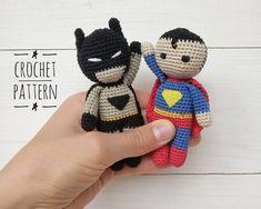 Crochet Keychain, Crochet Hooks, Crochet Teddy, Crochet Baby, Superman Crochet, Crochet Bear Patterns, Crochet For Boys, Stuffed Toys Patterns, Bead Crafts